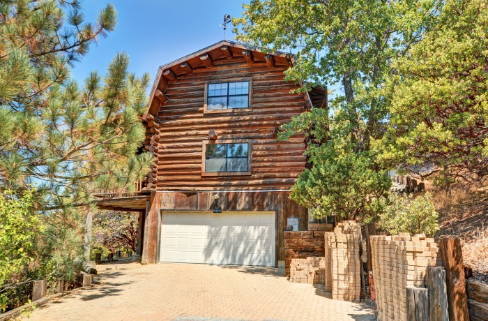 1523 Rock Ridge~Deer Lodge Park