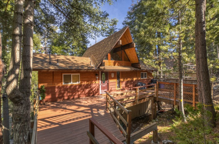 523 Brentwood Dr~Lake Arrowhead