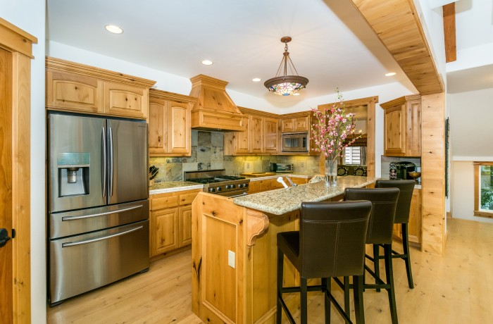 265 Garden Dr ~Lake Arrowhead