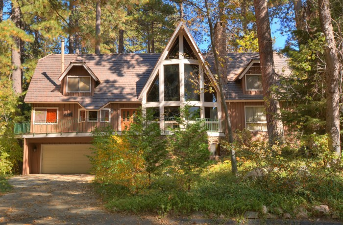 399 Giant Oak Circle~Lake Arrowhead