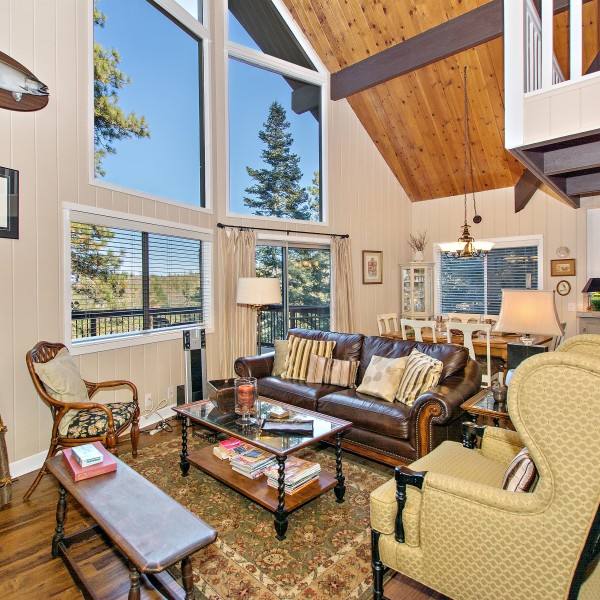 26619 Thunderbird~Lake Arrowhead