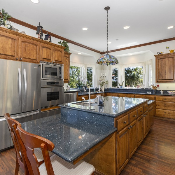 27534 West Shore Rd~Lake Arrowhead