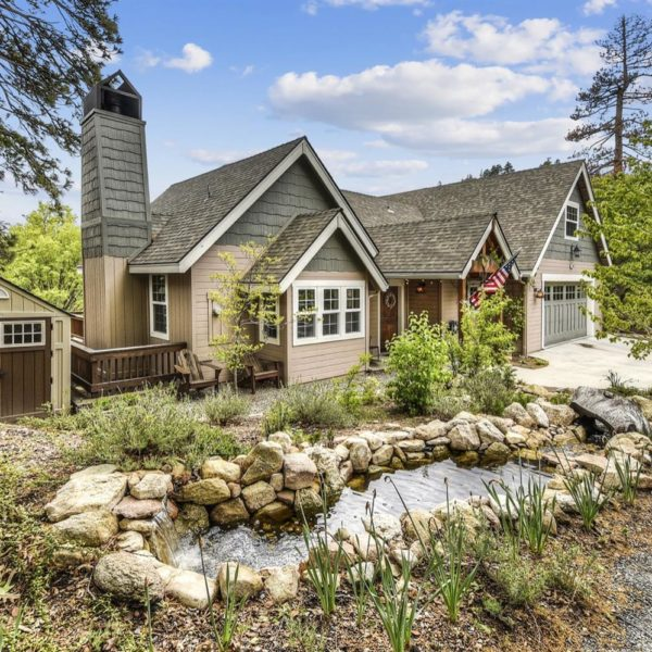 27460 Oakwood Dr.~ Lake Arrowhead