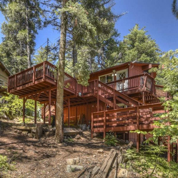 28393 Larchmont Lane~Lake Arrowhead