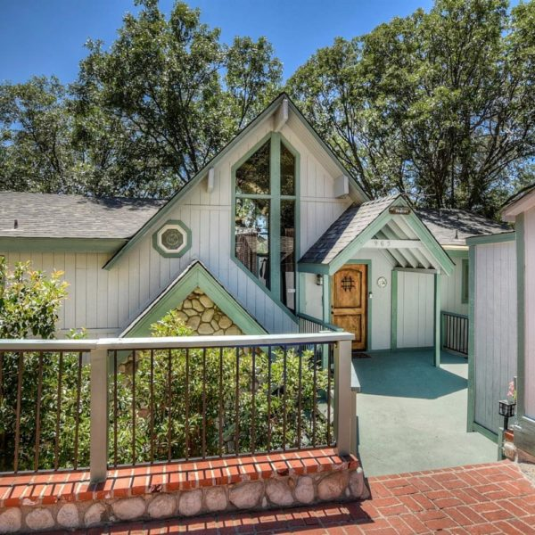 965 Nadelhorn Dr.~Lake Arrowhead