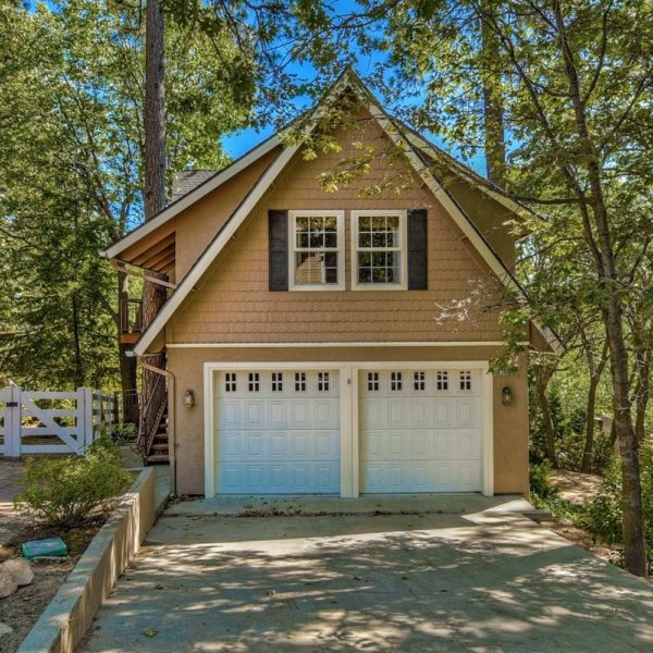 28862  Cedar Dr~Lake Arrowhead