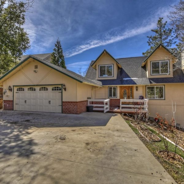 1178 Acadia Dr.~ Lake Arrowhead